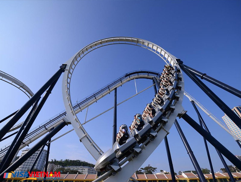 Very high speed roller coaster